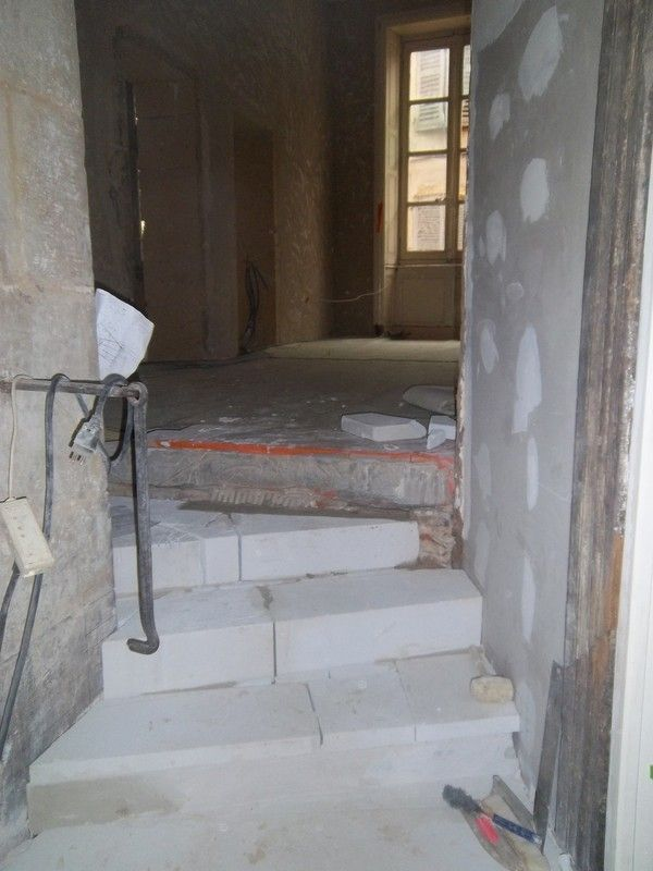 Construction de l 39 escalier int rieur for Construction escalier interieur